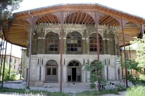 Kuti e Baghtsha before the restoration.